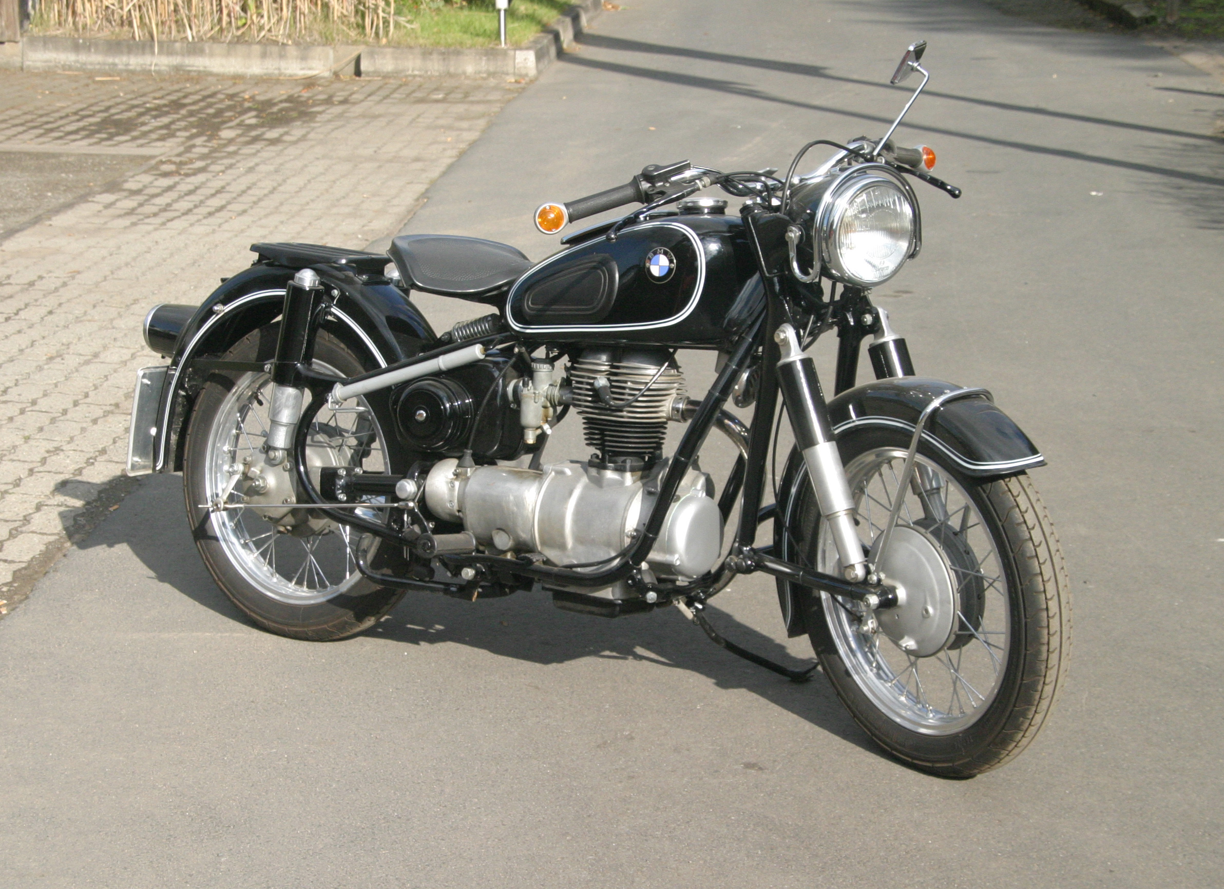 pin willkommen bei omega oldtimer awo bmw emw motorrad on pinterest. Black Bedroom Furniture Sets. Home Design Ideas